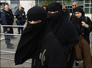 Female relatives of Canadian terror suspects.jpg