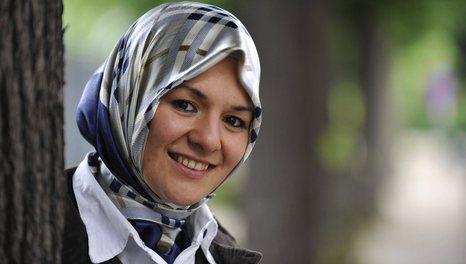 Hijab%20wearing%20politician%20in%20Belgium.jpg