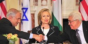 Hillary%20hosting%20meeting.jpg