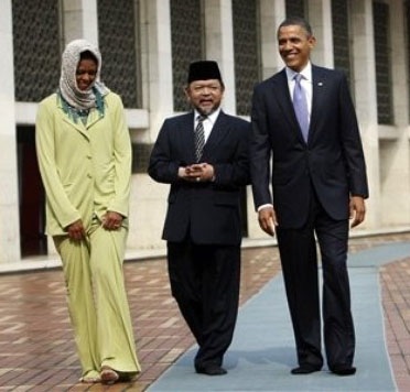 Michelle%20holding%20her%20Islamic%20pants%20up.jpg