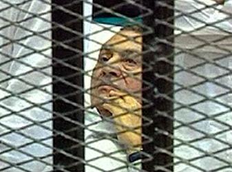 Mubarak%20in%20cage.jpg