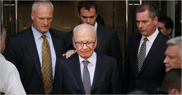 Murdoch%20on%20July%2015.jpg