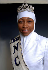 Muslim%20beauty%20queen%20with%20head%20covering.jpg