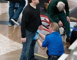 TSA%20agent%20groping%20man.jpeg