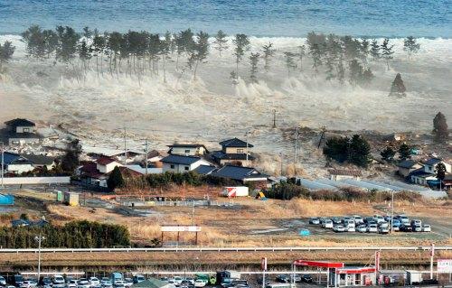 Tsunami%20hits%20Natori%20City%20residential%20area%201.jpg