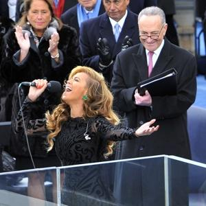 beyonce%20singingg%20at%20inaugutal.jpg